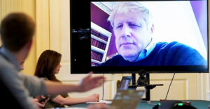 英首相「進重症病房」緊急治療!繼續靠「視訊監督抗疫」駁斥:沒在用呼吸機