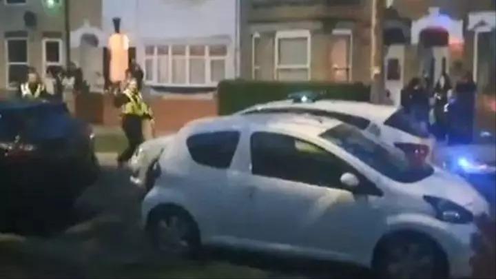 DJ手癢「偷開電音趴」邀鄰居一起嗨 警察趕到卻無法開罰