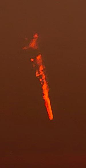 空中出現「神秘火焰」他嚇傻 墜落方式「超詭異」絕不是隕石!