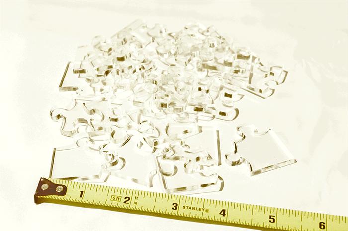 「地獄級透明拼圖」依困難度分3版本 最小的只有「1公分」