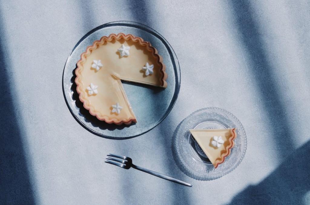 網美系甜點!神人做出「透明的檸檬派」鮮奶油浮在空中❤