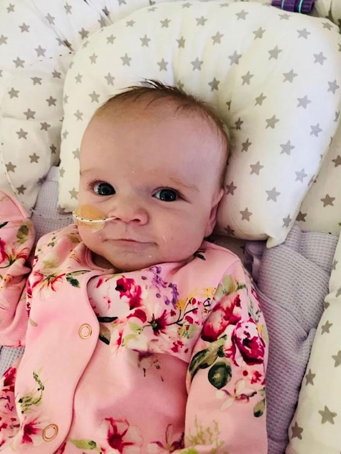 剛動「心臟手術」又確診武肺 超強生命力女嬰再次獲勝!