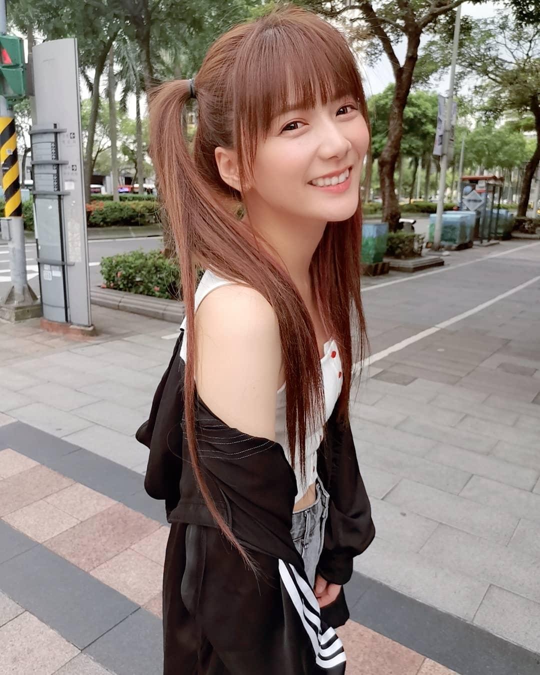 網人365/台灣第一個宅男女神!解婕翎「搶人老公被拍床照」真相超荒謬