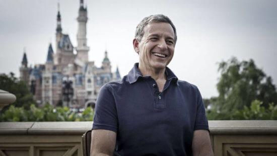 迪士尼「停薪10萬員工」省150億 董事長:薪水全捐!