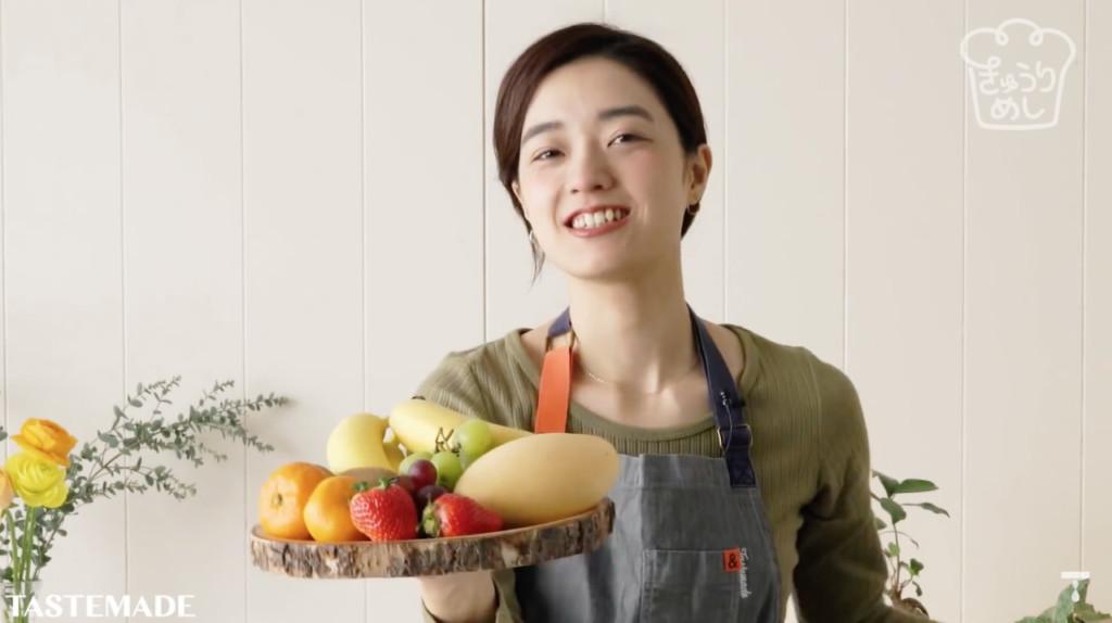 櫻花妹瘋「水果花三明治」作法公開 切完「捲捲捲」就搞定