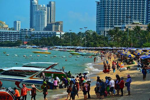 渡假勝地芭達雅「封城21天」泰國:潑水節延期不然就在家潑