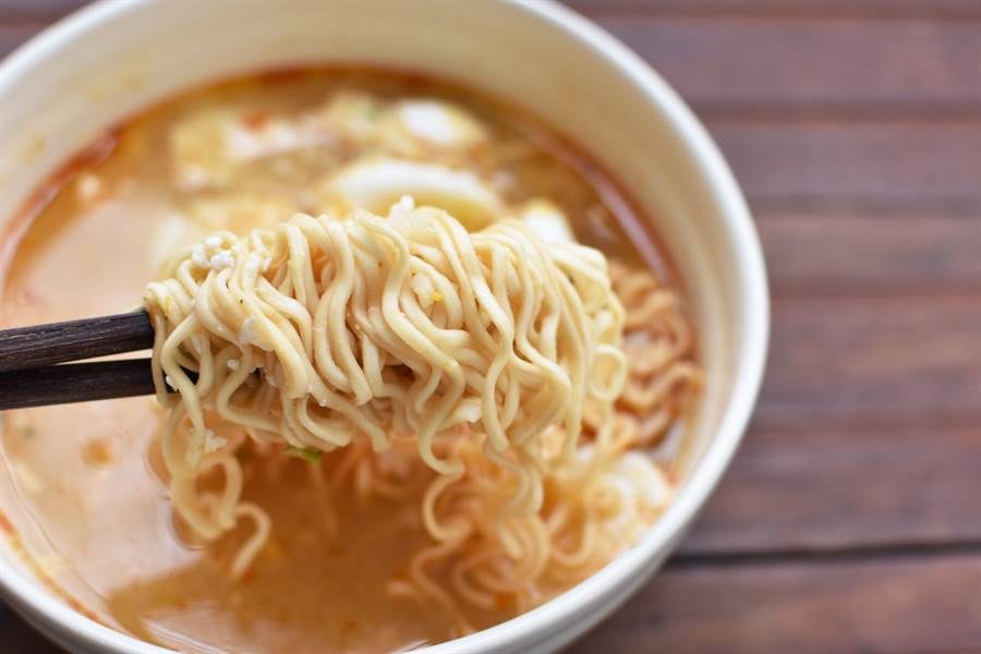 網咖的「泡麵」為何特別好吃?前店員流出私藏「4美味秘訣」