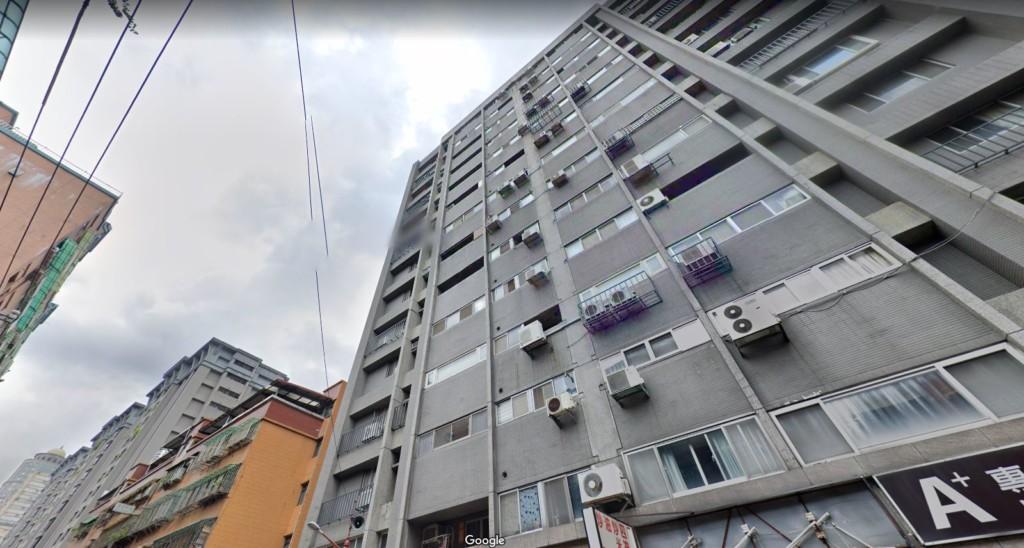 大奇蹟!女童被風吹「從14樓墜樓」自行搭電梯回家