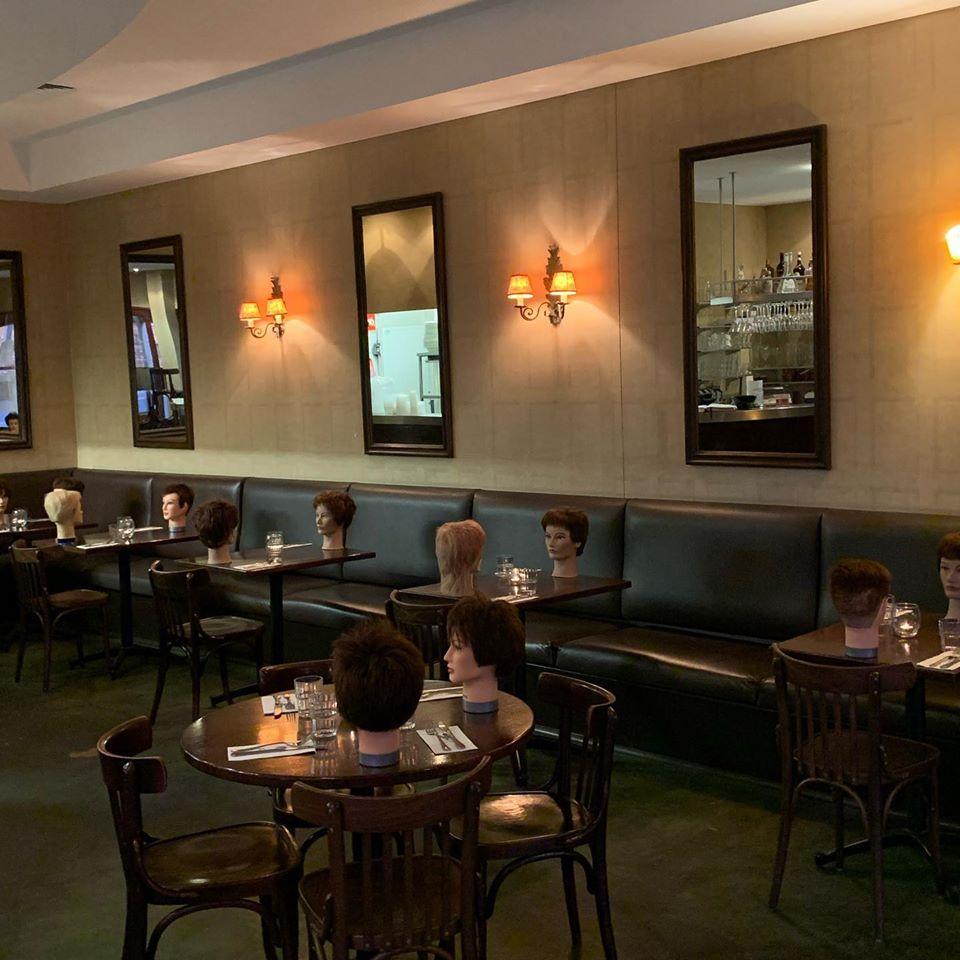 咖啡店「人頭擺滿桌子」民眾嚇到報警 老闆超無奈:生意太差!