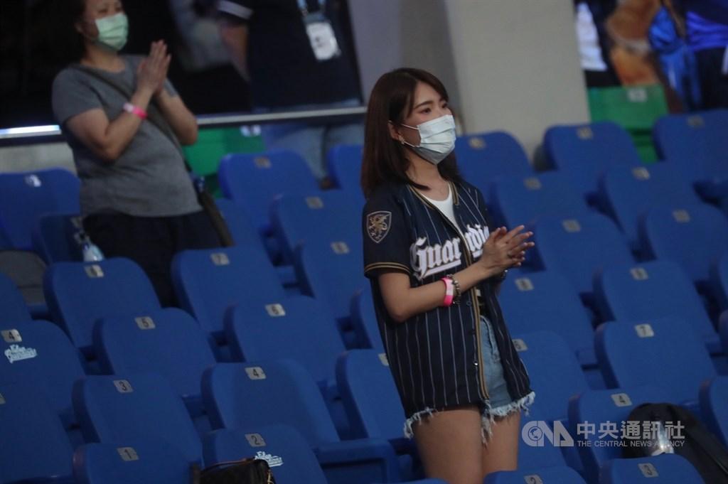 中職今天開放「2千觀眾」觀賽 全世界「只有台灣」能看現場!