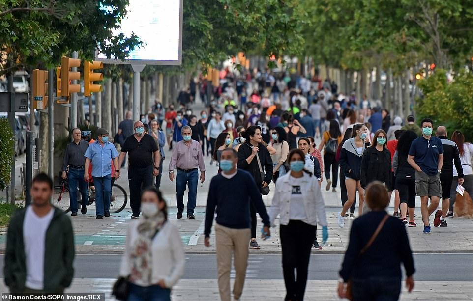 義大利「首日解禁」民眾瘋狂湧出 政府嚇歪:疫情還沒結束!