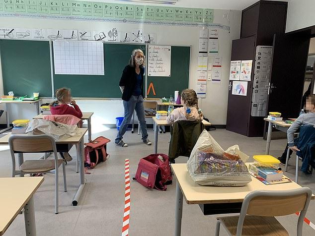 老師把學生「框在格子裡」交代在裡面玩 網心酸:為了活下去