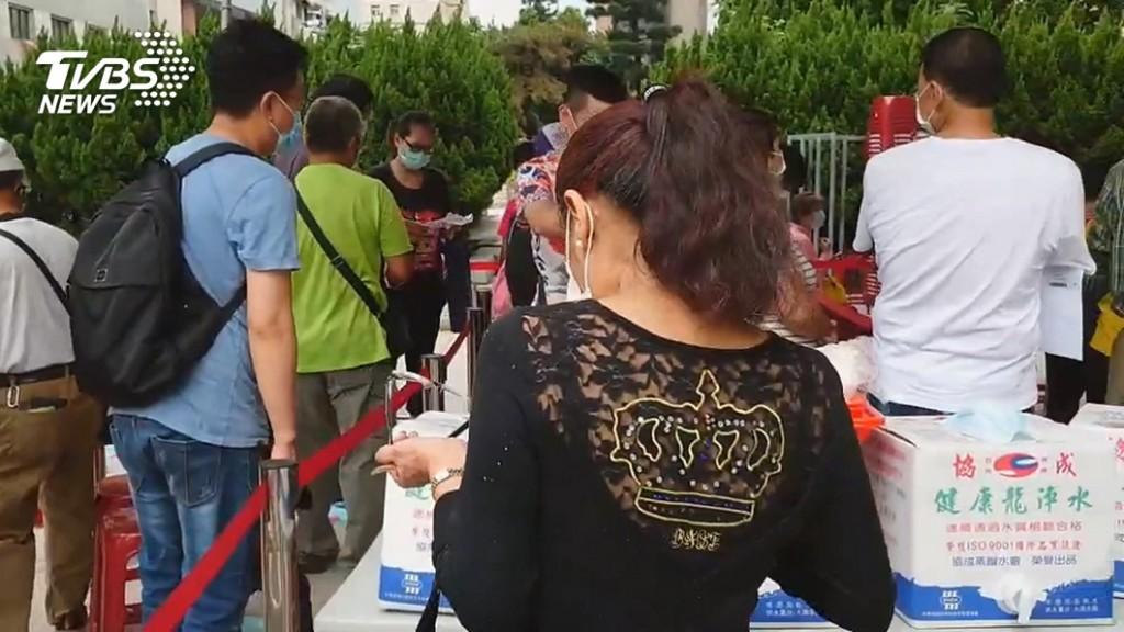 民眾想領補助「狂搶玉蘭花」換進貨證明 害價錢飆漲超過40元