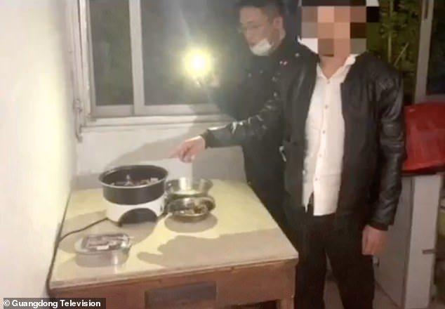 中國男「綁架公園天鵝」進補 警方破門他忙著稱讚:味道好香!
