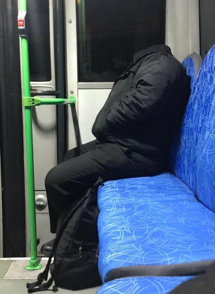 20張害你「忍不住看兩次」的WTF照 如何用一顆枕頭脫魯?