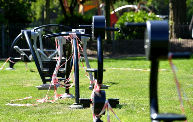 要求「馬上開放健身房」超想重訓 健人「當街做起來」抗議!