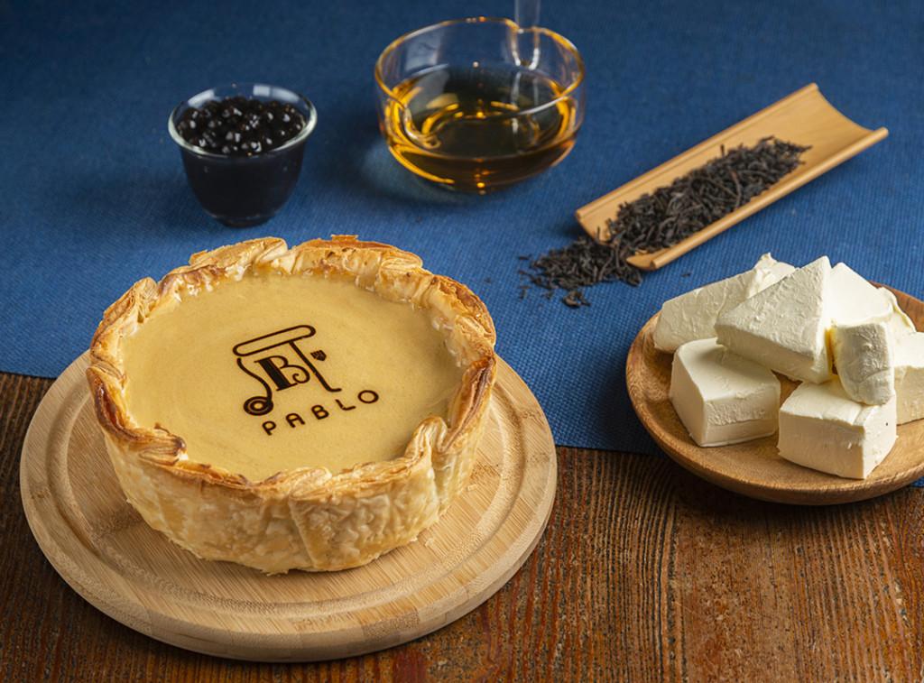 「PABLO X 春水堂」珍珠奶茶起司塔上市 一切開「珍珠岩漿」流出!