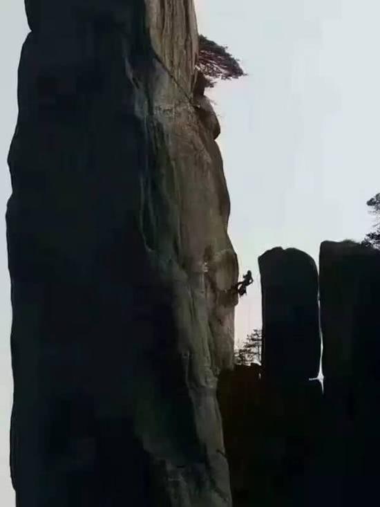 屁孩「用電鑽」爬國寶級美山 狂挖「26個洞」下場慘到爆!