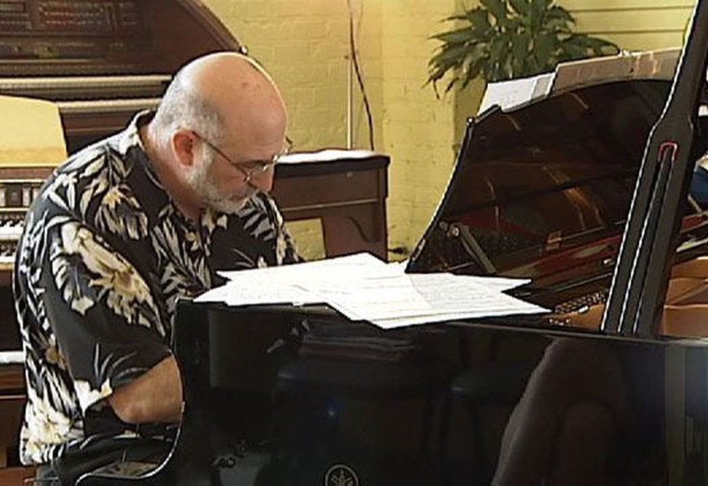 雷劈中醫生叫醒「大腦裡的天才」他狂彈鋼琴:旋律一直冒出來