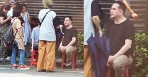 民眾捕獲「野生黃秋生」路邊大叔坐 網友讚:超融入台灣