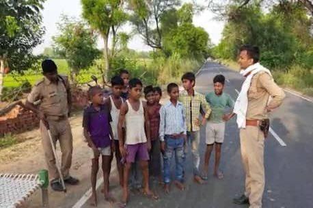 印度小孩狂奔「想越過邊界」遭攔查 一問:要去中國報仇!