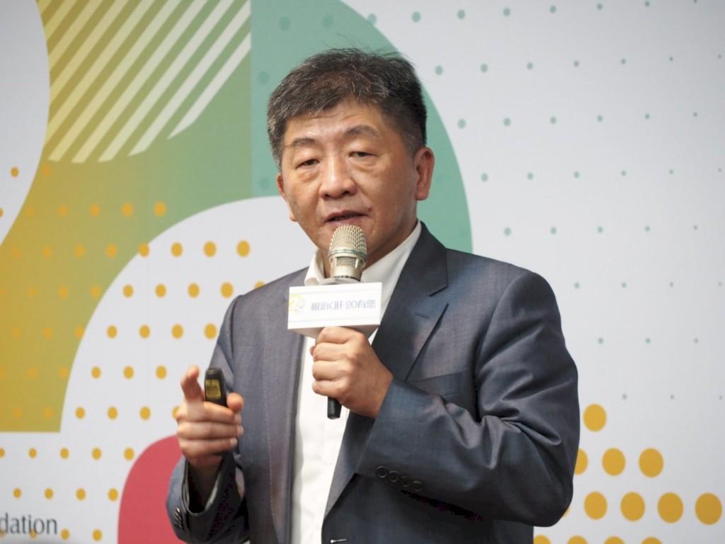 蘇貞昌視察「疫苗國家隊」百萬劑有望「年底前」上市!