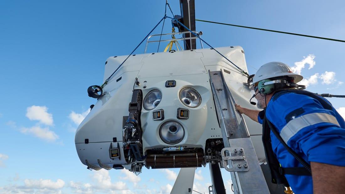冒險42年!她成為首位「上過太空+下去世界最深處」女性