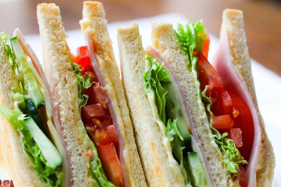 異國網友「突破2萬公里限制」成功做出史上最大「地球三明治」