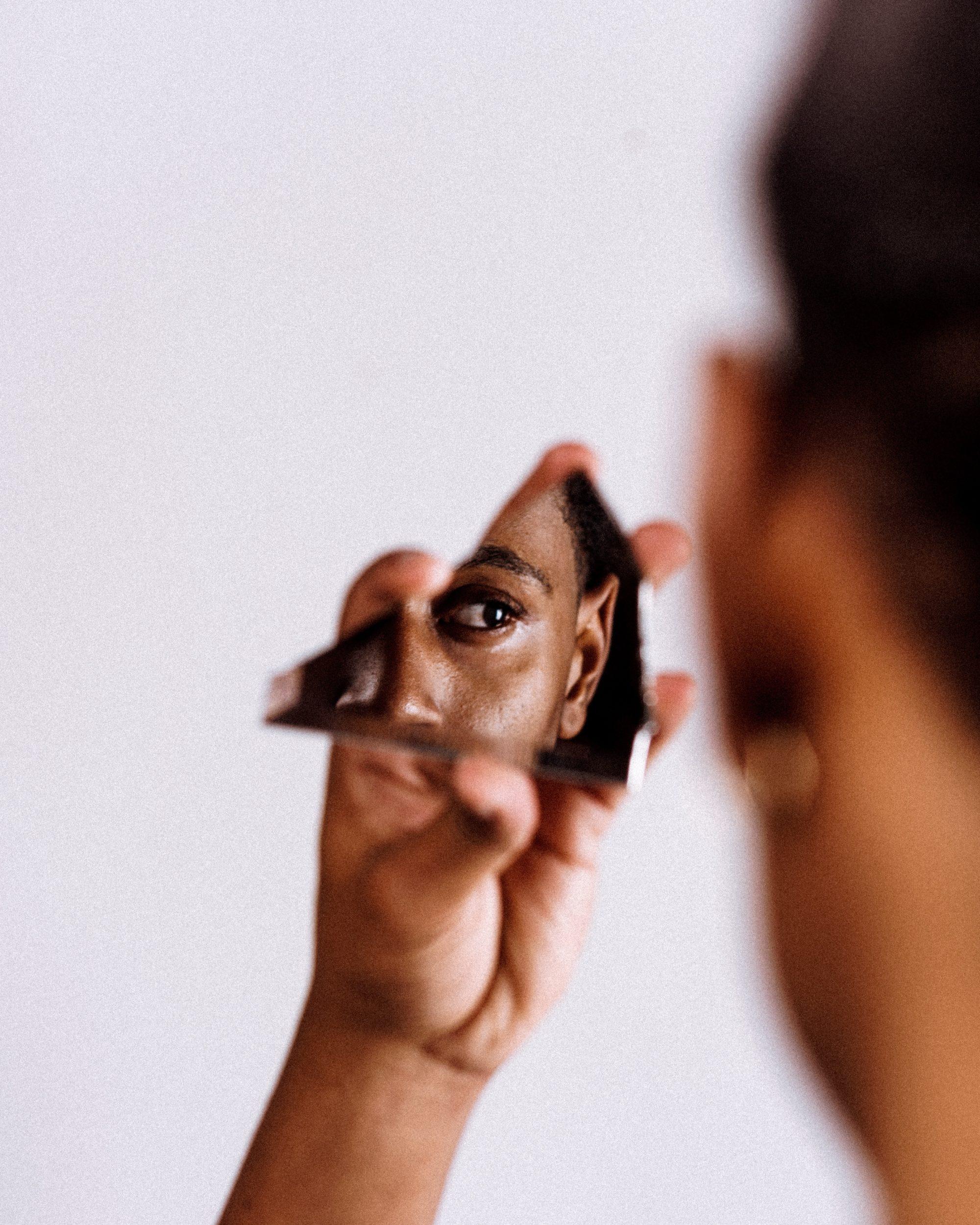 研究發現用「第三人稱叫自己」能提升決策力 但得臉皮夠厚!