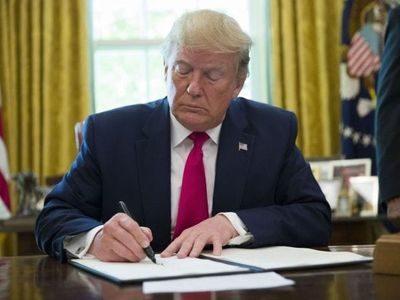 川普簽署維吾爾人權法案