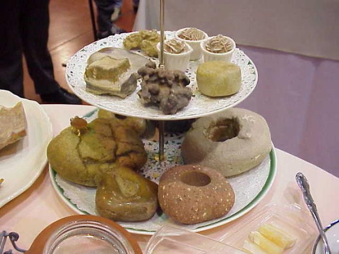 21張會讓你「肚子很餓」的石頭 整桌料理「都是岩石」太誇張!