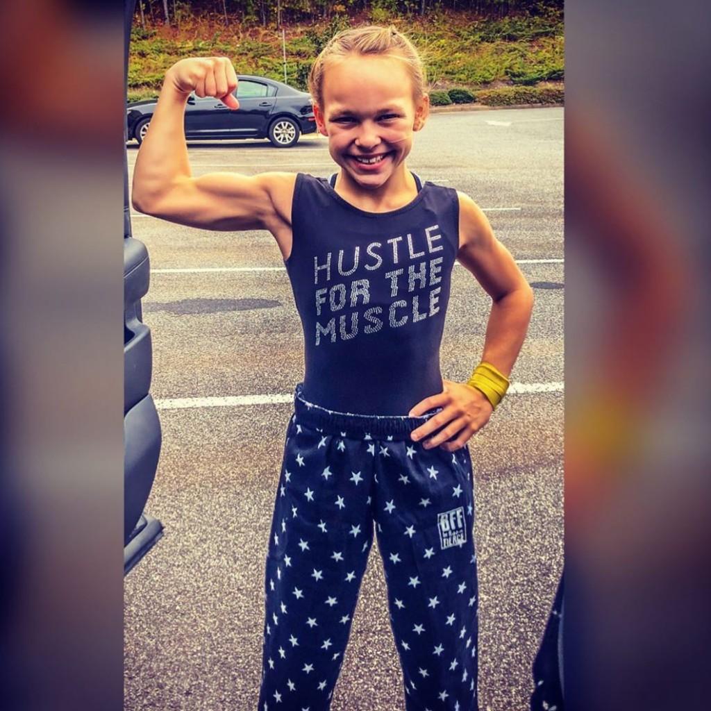 10歲女童「全身爆肌肉」嚇歪大家 網反彈:這樣OK嗎?