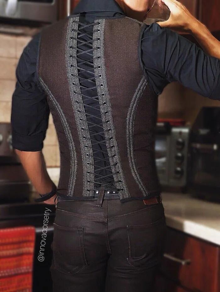 國外推「男性馬甲」打造小蠻腰 「套上西裝」背影比雷神還性感