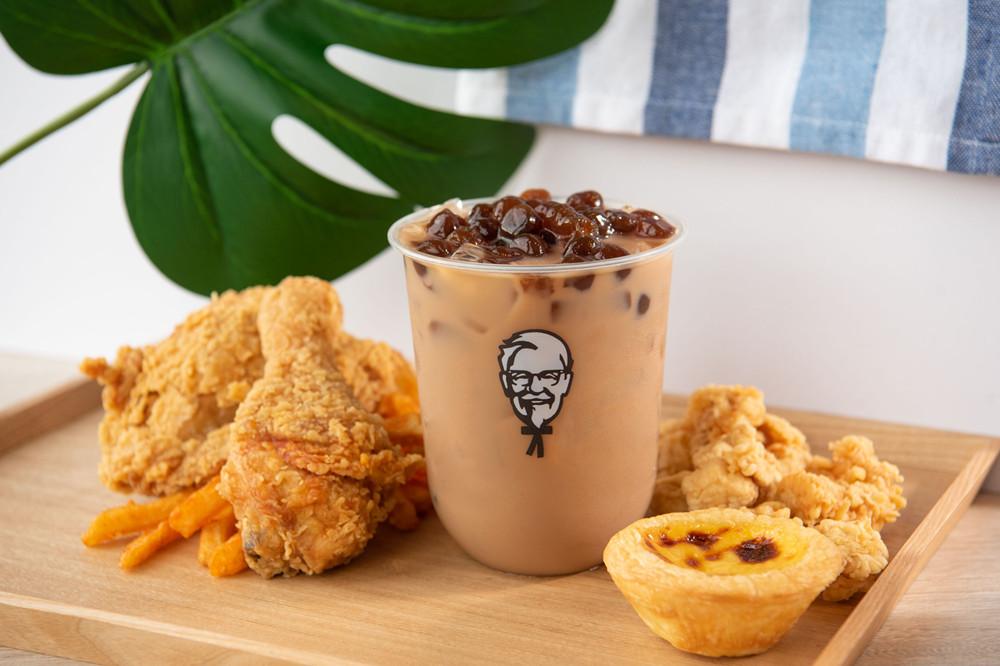肯德基開賣「ㄎㄎ珍奶」搶飲料市場 網推爆:還可以啃雞排超爽