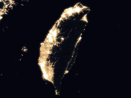 NASA公布「地球夜景照」  北韓「唯一亮點」:金正恩在幹嘛?