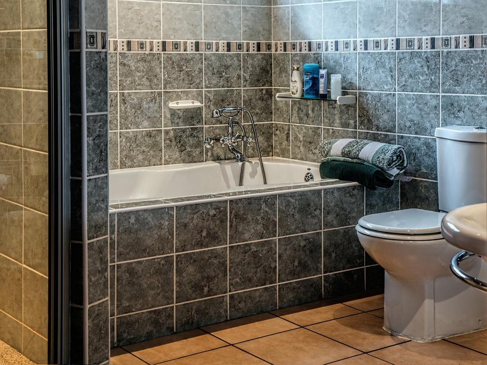 員工每天「廁所上20分鐘」質疑薪水小偷 網駁:合法小確幸!