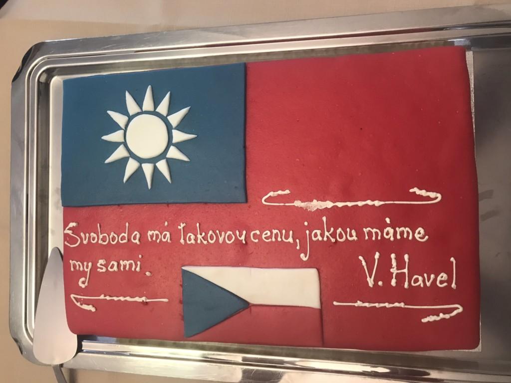 捷克議長確定訪台!大方曬「台捷國旗」:自由和生命一樣珍貴