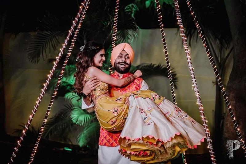 印度「口罩新娘」只露眼睛卻爆紅 「全臉曝光」美到殺光底片!