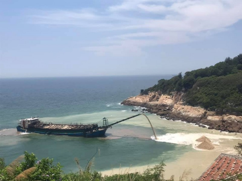 中國抽砂船「闖馬祖偷砂」被逮 秒被海巡「押去旁邊催吐」!