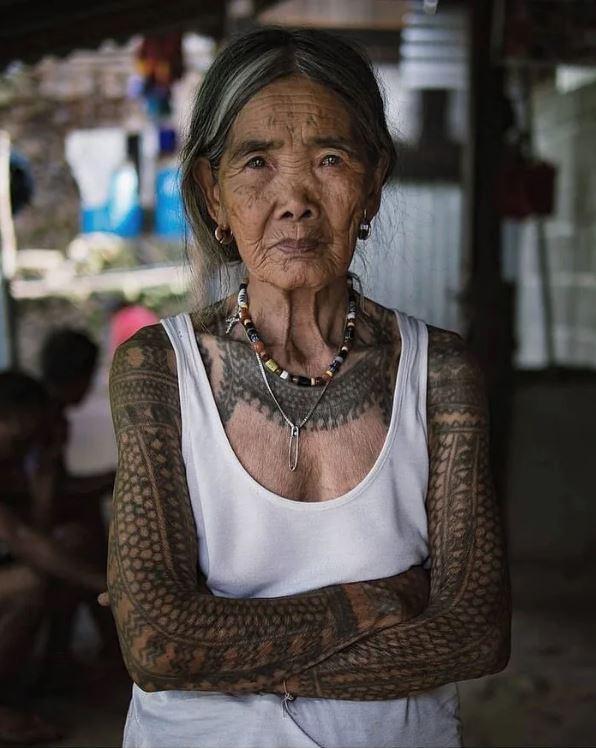 菲律賓最後一位「傳統刺青師」102歲還在刺!只能「傳給血親」恐失傳