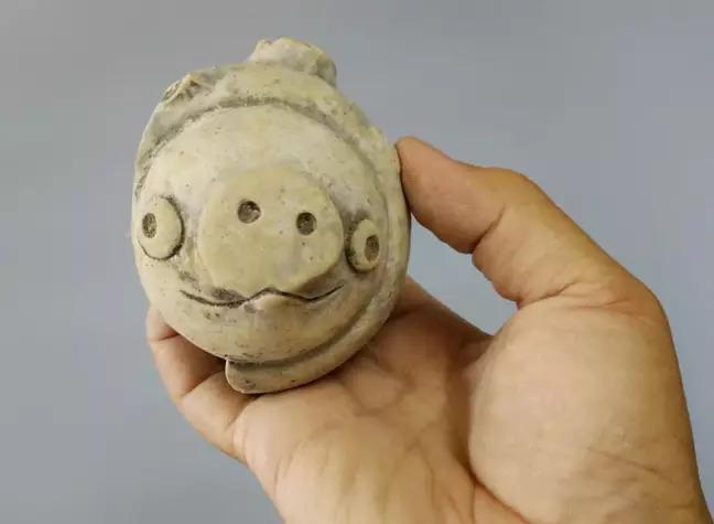 時空旅行是真的?中國出土「3千年前雕像」竟完美「撞臉憤怒鳥」