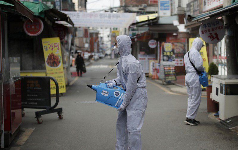 南韓政府為疫情「向民眾道歉」:我們不該相信WHO!