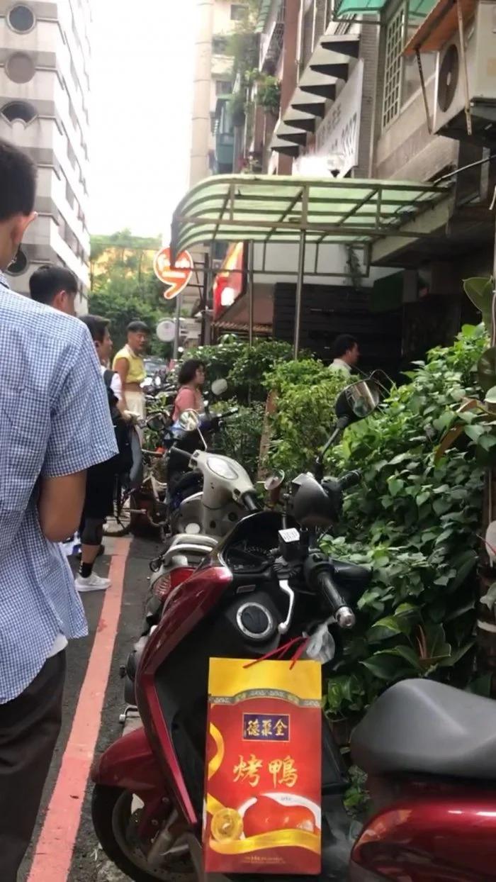 信義區「晚餐吃到飽」只要80元 網大推:台北最佛心店家!