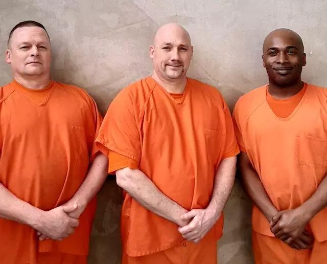 獄警心臟病發!3囚犯「放棄逃跑」選擇「搶救生命」被讚翻