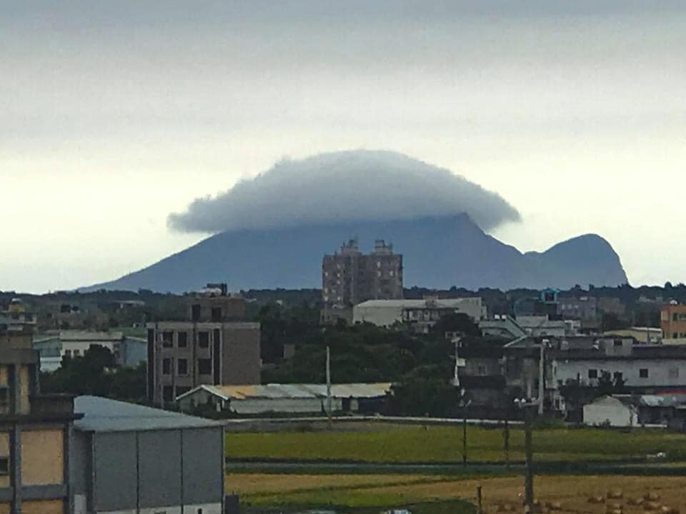 網友捕捉「龜山島長殼」神奇照 在地人崩潰:最怕看到這場景