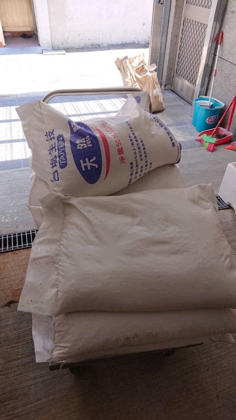 黑心業者用「工業鹽泡海鮮」賣客人爽賺 20萬就重獲自由