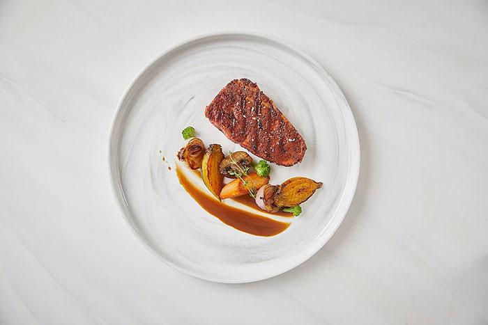 廚師用「列印機」做出超美味牛排 上桌「肉汁爆出」素食者也能吃