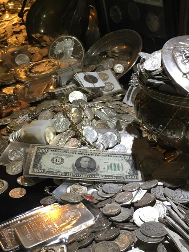珠寶店倒閉!老闆藏「3千萬珠寶」在各地 找到可「直接帶走」!
