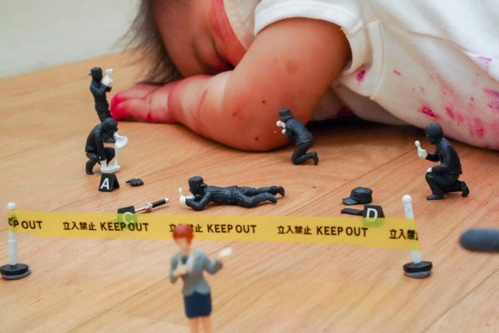 他照老婆要求陪兒子玩「變案發現場」 網友笑翻:爸爸玩得最累