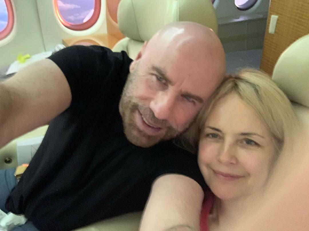 約翰屈伏塔愛妻「乳癌病逝」享年57歲 奮戰2年敵不過病魔!
